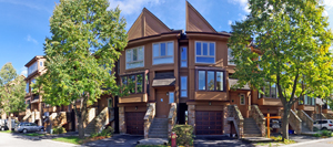 Virtual tour of townhome for sale in Oakville