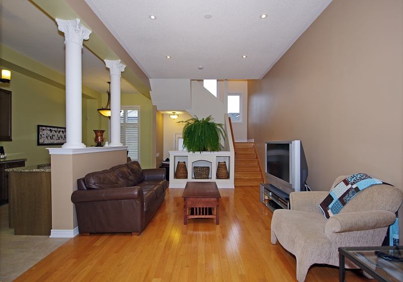 Quick view all photos house for sale by in mississauga for Online house tours