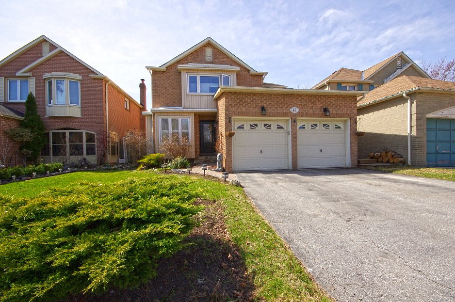 Virtual Tour Of House For Sale On Ravenscroft Rd Ajax On L1t