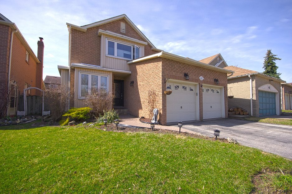 Virtual tour of house for sale on ravenscroft rd ajax on l1t for Free virtual home tours online